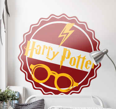 adhesif harry potter qui comporte le texte «harry potter» avec ses lunettes classiques et sa cicatrice. stickers personnalise.