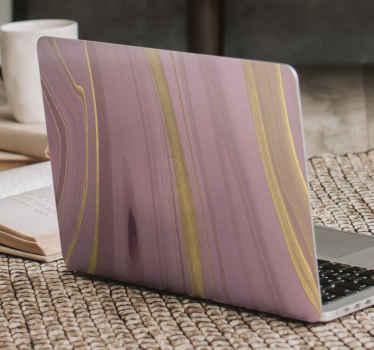Promijenite izgled površine svog prijenosnog računala s ovom nevjerojatnom naljepnicom prijenosnog računala od ljubičastog mramora s dodirom sjajnih zlatnih svjetlucavih dizajna.