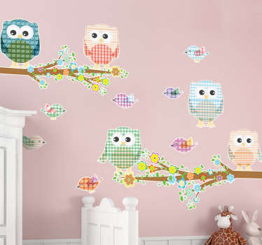 A set of decals from our exclusive owl wall stickers to decorate the bedroom of your children. These decals include owls and sparrows