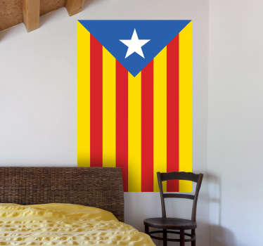 Si sueñas con una futura República Catalana independiente hazte con esta pegatina.
