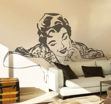 An elegant illustration of a woman from the 80s. This monochrome decal from our collection of retro wall stickers is ideal to decorate your home!