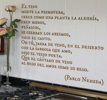 Adhesivo elegante con un extracto de un poema del famoso autor chileno dedicado a la enología.