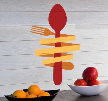 Vinil decorativo de uma colher vermelha e um garfo amarelo torrado em volta dessa mesma colher. Autocolante ideal para cozinhas e restaurantes.