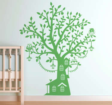 An original and playful wall art of a tree house from our collection of forest wall stickers to decorate your children's bedroom or play area.