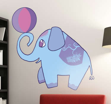 Muursticker kind olifant hooghouden bal