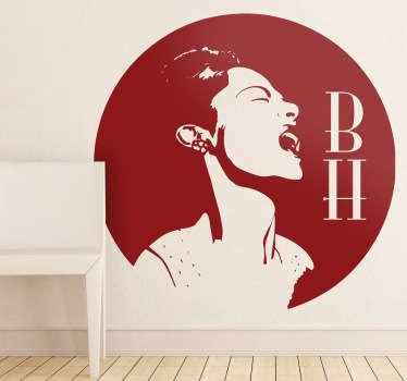 Adhesivo circular con un retrato de esta fantástica cantante de jazz norteamericana con sus siglas grafiadas.