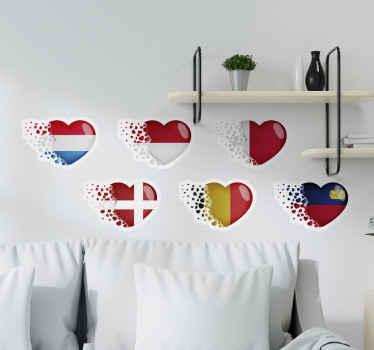 Adesivo in vinile con bandiere europee realizzato a forma di cuore. Un bel disegno di rappresentazione geografica dell'europa. Facile da applicare su qualsiasi superficie piana.