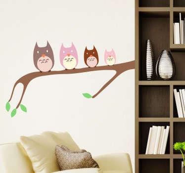 Muursticker familie uilen op tak