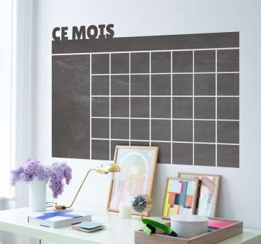 Stickers ardoise à craie représentant un calendrier mensuel sur lequel vous pourrez y inscrire toutes vos tâches du mois.