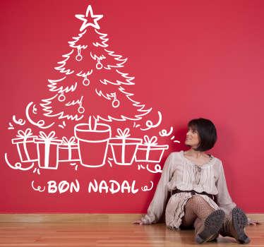 Vinilo decorativo del árbol de navidad deseando unas buenas fiestas en catalán. Ideal para personalizar tu casa durante estas fechas tan señaladas.