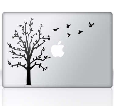 Ağaç ve uçan kuşlar macbook sticker