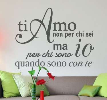 Decora la tua casa con questo adesivo murale che raffigura una romantica dichiarazioned'amore.