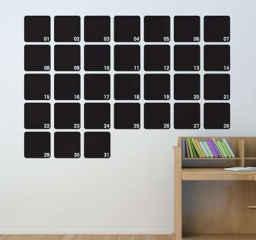Månadsschema på svart tavla