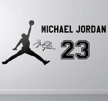 Para los mayores fanáticos del mítico jugador de los Chicago Bulls, Michael Jordan, este adhesivo con la reconocida silueta del baloncestista, su característico número 23 y la firma incluída.