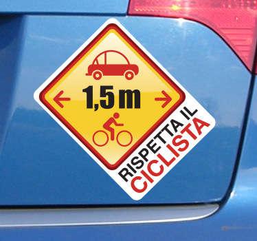 Decora con questo originale adesivo e ricorda a te stesso e agli altri a quale distanza una macchina può circolare da una bicicletta.