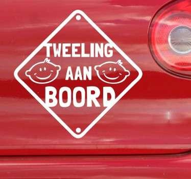 Maak de bestuurders rondom u duidelijk dat u een tweeling aan boord van uw wagen hebt. Een leuke decoratie sticker voor uw wagen.