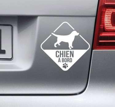 Sticker dessin chien à bord