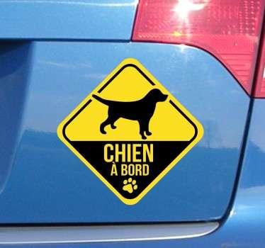 Sticker chien à bord couleur