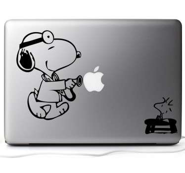 Naklejka na laptop Snoopy doktor