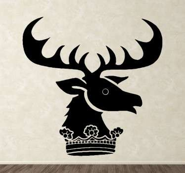 Vinilo decorativo de la serie Juego de Tronos. Hazte con el emblema de la Casa Renley Baratheon formado por un ciervo y una corona. Decora tu hogar y demuestra la fanático que eres de la serie.