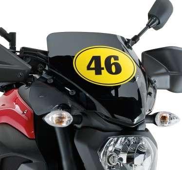 Individualiza tu motocicleta con un adhesivo ovalado amarillo. Con este vinilo decorativo podrás escoger y personalizar el número.