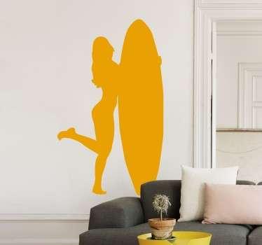 Adhesivo con el perfil de una joven y estilizada chica sujetando una tabla de surf.