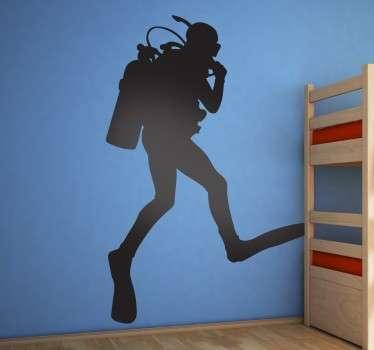 Sticker exclusif pour décorer votre intérieur, avec cette silhouette d'un plongeur en pleine action.