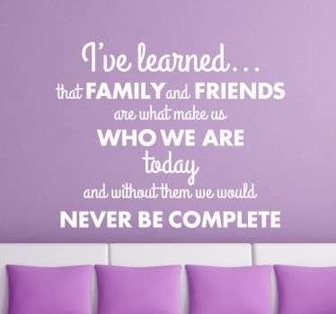 Vinil decorativo frase familia e amigos