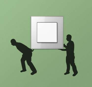Dekorativer und humorvoller Aufkleber von zwei Transporteuren die Ihren Lichtschalter oder Ihre Steckdose wegtragen.