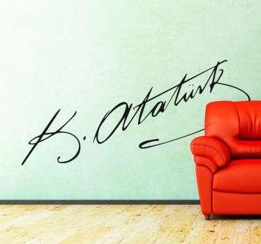 Dekoratives Wandtattoo von dem Autogramm des türkischen Politikers, K.Atatürk.