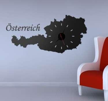 Dekoratives Wandtattoo gestaltet als eine einzigartige Wanduhr. Dekorieren SIe Ihr Wohnzimmer mit einer Uhr in der Form des Lands Österreich.
