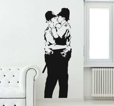 Autocolante graffiti Banksy polícias beijo