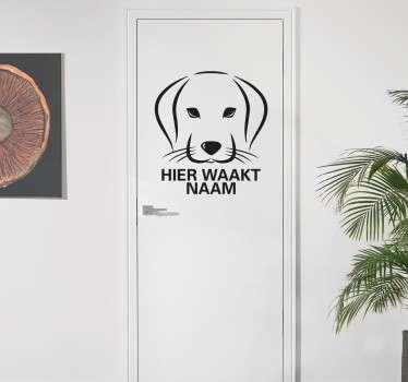 Een leuke voordeur sticker die aangeeft dat de hond het huis bewaakt. Te personaliseren met de naam van uw hond. Dagelijkse kortingen.