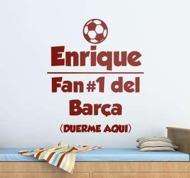 Murales y vinilos de fútbol personalizables ideales para un público infantil y joven amantes del deporte rey.