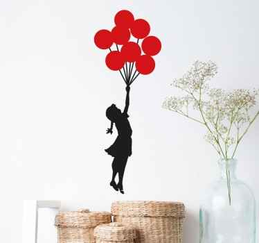 Balonlu duvar kağıdı ile kalkan kız
