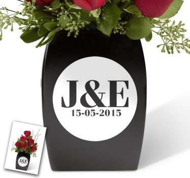 This customisable sticker features the initials of a couple and a date in a stylish monochrome circle. The ideal present for weddings or anniversaries