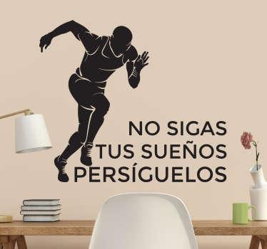 Siluetas deportes en vinilo con la figura de un corredor en plena carrera y un texto motivador acompañándolo.