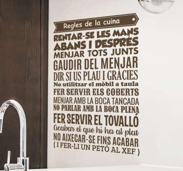 Vinilos de frases para vestir tu cocina y dejar muy claro las reglas que se deben respetar en ella.