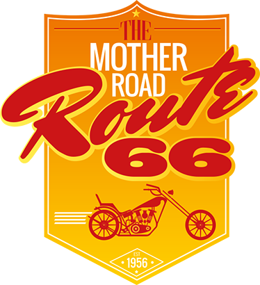 TenStickers. Muursticker The Mother Road Route 66. Muursticker The Mother Road Route 66, met het logo van de wereldberoemde Amerikaanse snelweg met daaronder een motor.