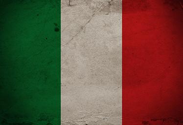 TenStickers. δέρμα του φορητού υπολογιστή της Ιταλίας. μια διακοσμητική σημαία χώρας εκτυπώνει αναπαράσταση της Ιταλίας και προορίζεται να καλύψει εντελώς έναν φορητό υπολογιστή. εύκολο στην εφαρμογή και ανθεκτικό.