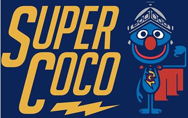 TenStickers. Sticker sesamstraat super coco. Deze sticker van Sesamstraat karakter Coco met helm en cape is een echte must voor de Sesamstraat fans. De sticker is perfect voor de babykamer,