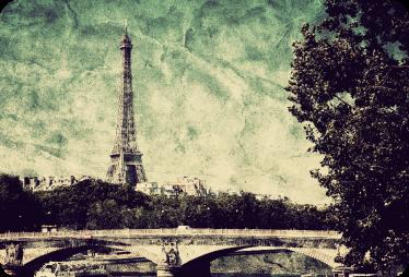 TenStickers. Adesivo computer foto vintage Parigi. Adesivo per pc con foto vintage di Parigi e della torre Eiffel