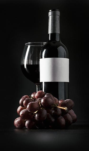 TenStickers. 冰箱贴花. 这种冰箱粘合剂非常适合所有葡萄酒爱好者。这种时尚而简单的设计将在几分钟之内为您的冰箱带来不同的外观。