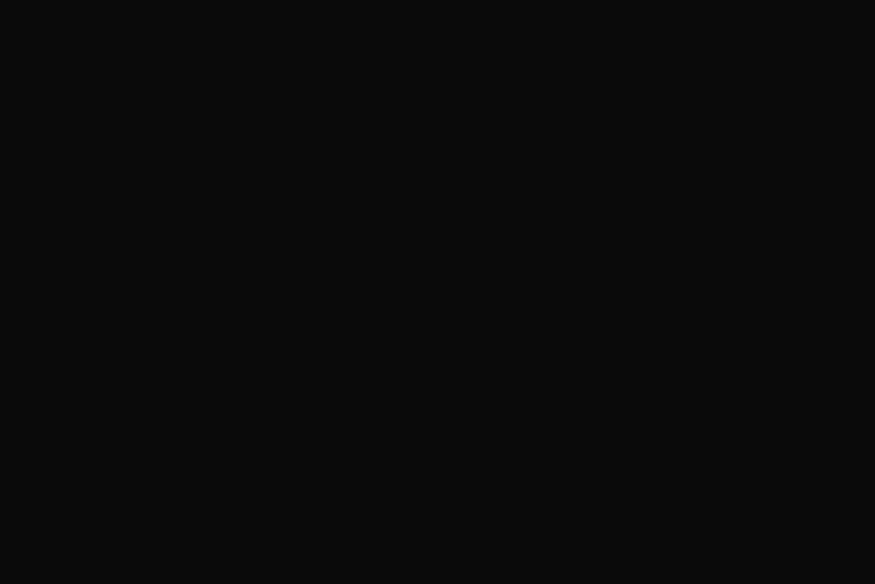 TenStickers. Tienerkamer muursticker Wanderlust adventures. Voor de echte reisliefhebbers is deze muursticker met de tekst Adventure awaits, omringd door onder andere een luchtballon en twee pijlen, perfect.