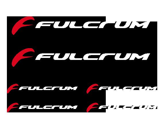TenStickers. Fulcrum Logo Aufkleber. Fulcrum - der italienische Hersteller von Fahrradkomponenten. Mit diesem Fulcrum Sticker Set können Sie Ihr Fahrrad verschönern.