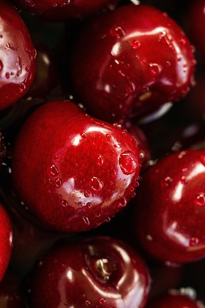 TenVinilo. Vinilo cocina Fruta fresca. Fantástico vinilo adhesivo para nevera o frigorífico con un colorido y pasional estampado de cerezas. Compra Online Segura y Garantizada.