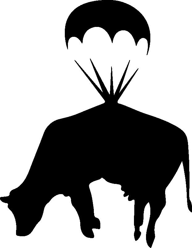TenStickers. Banksy Kuh mit Fallschirm Wandaufkleber. Dekorativer Kunst Wandaufkleber eines Nutztiers mit dem Entwurf einer Kuh mit einem Fallschirm. Kaufen Sie es in der gewünschten Farbe und Größe.