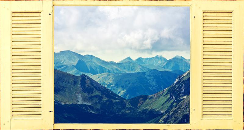 TenVinilo. Vinilo pared trampantojo montañas. Vinilo formado por el diseño de una ventana, a través de la cual se puede observar un paisaje de montaña. Compra Online Segura y Garantizada.