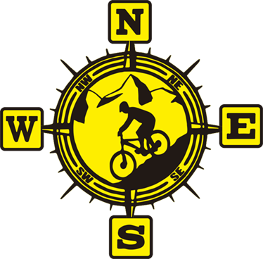TenVinilo. Pegatina de viaje Brújula bici montaña. Original vinilo decorativo para vehículo con brújula y ciclista que podrás pegar en tu coche de forma sencilla para reflejar tus gustos.