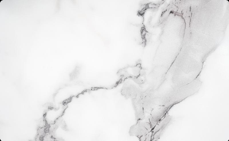 TenStickers. Marmornati prenosni računalnik kože. Nalepka za vinilne kože na prenosnem računalniku, oblikovana z okrasno teksturo iz marmorja. Prilagodljiv za namestitev katere koli zahtevane površine. Enostaven za uporabo.